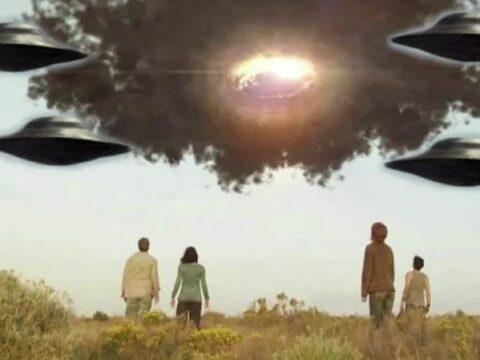 НЛО фактически являются машинами времени.