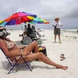 Британские пляжники внезапно начали задыхаться по не известной причине.