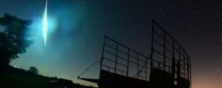 Видео: Голубой огненный шар освещает небо над Техасом, Оклахома, Луизиана.