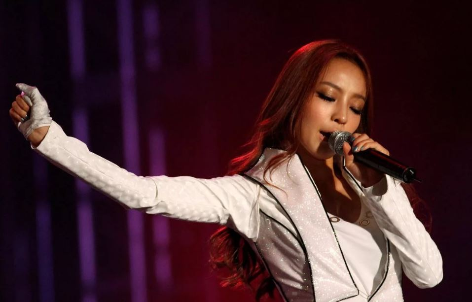 Звезда K-pop Гу Хара из Южной Кореи.