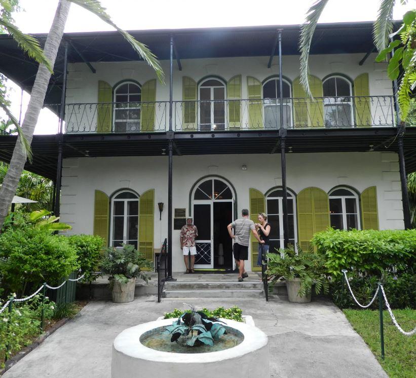 Хемингуэй купил этот дом, очарованный его расположением в самой высокой точке местности.