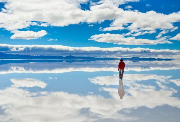 Прогуливаясь среди облаков.