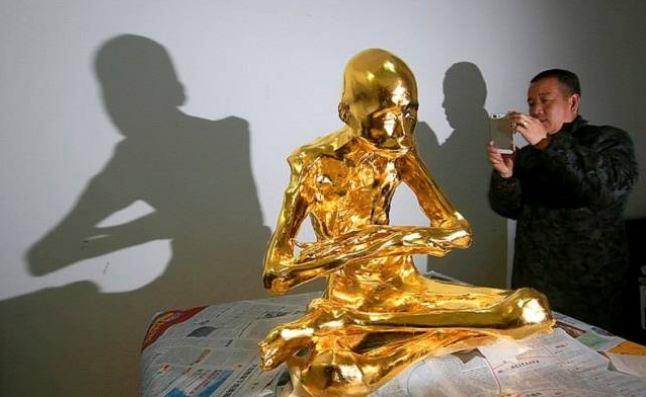 Монах Фу Хоу теперь будет находиться на горе для поклонения людей.