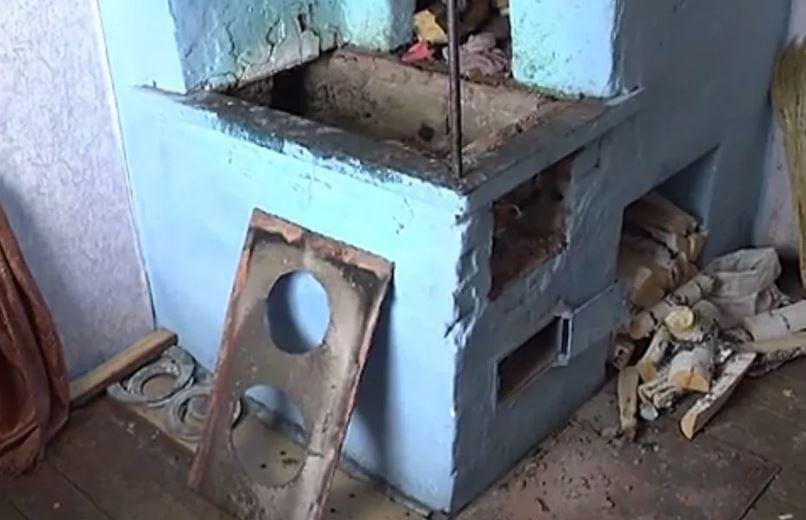 В Хакасии бабушка и дедушка сожгли в печи 11-месячного внука.