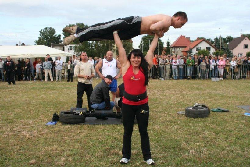 Анета Флорчик из Польши является самой сильной женщиной в мире.
