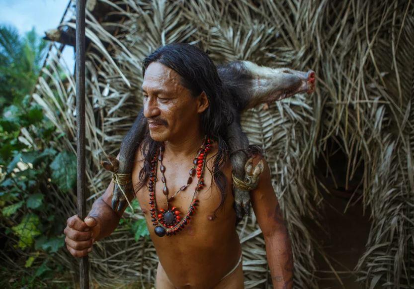 Затерянное в джунглях племя.