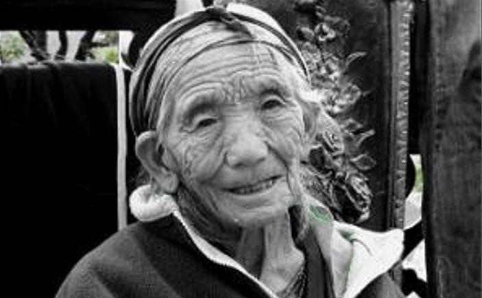 95-летняя китаянка Ли Сюфэн потрясла своих соседей.