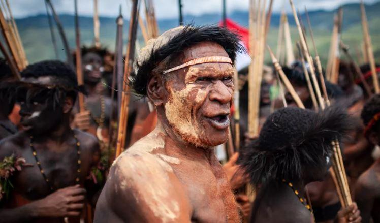 В Бразилии нашли неизвестное, дикое племя аборигенов Вари.