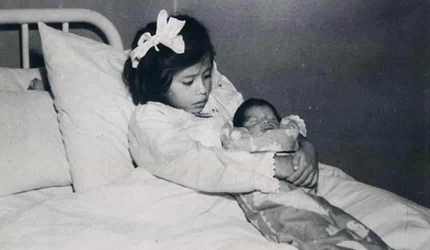 История 5 -летней девочки Лины Медины, ставшей самой молодой мамой.