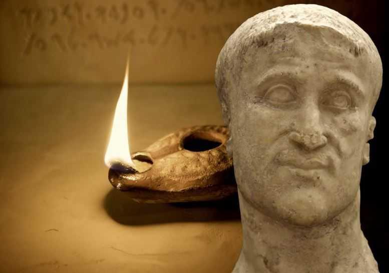 Вечно горящая лампа была найдена в гробнице Констанция Хлора.