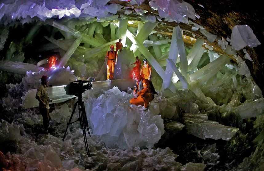 Гигантская хрустальная пещера Найка.