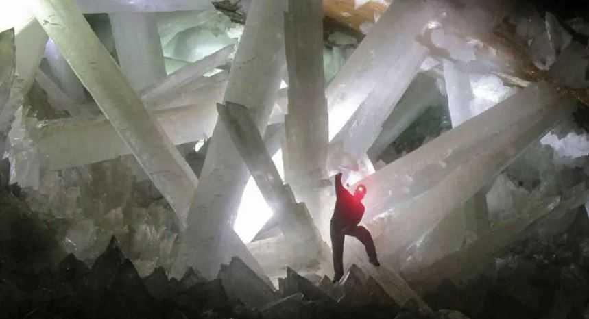 Гигантская хрустальная пещера в Мексике
