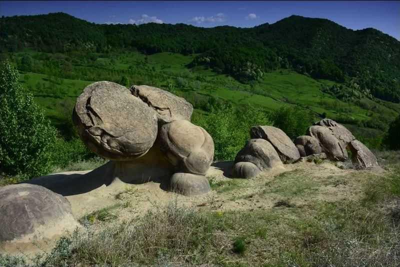 """Трованты - """"живые"""" камни Румынии."""