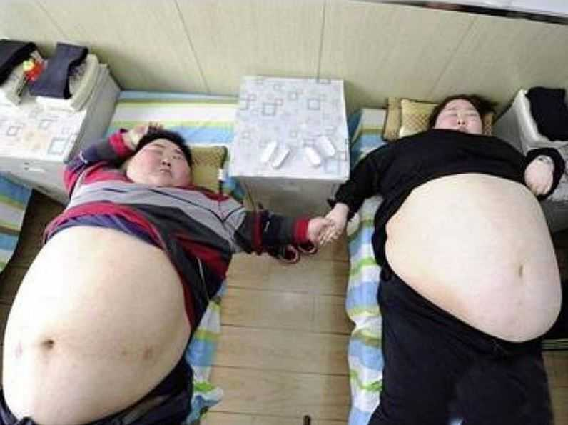 Китайская пара решила серьезна взяться за свое здоровье.
