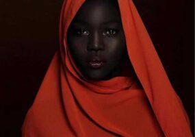 """""""Королева тьмы"""" модель из Южного Судана."""