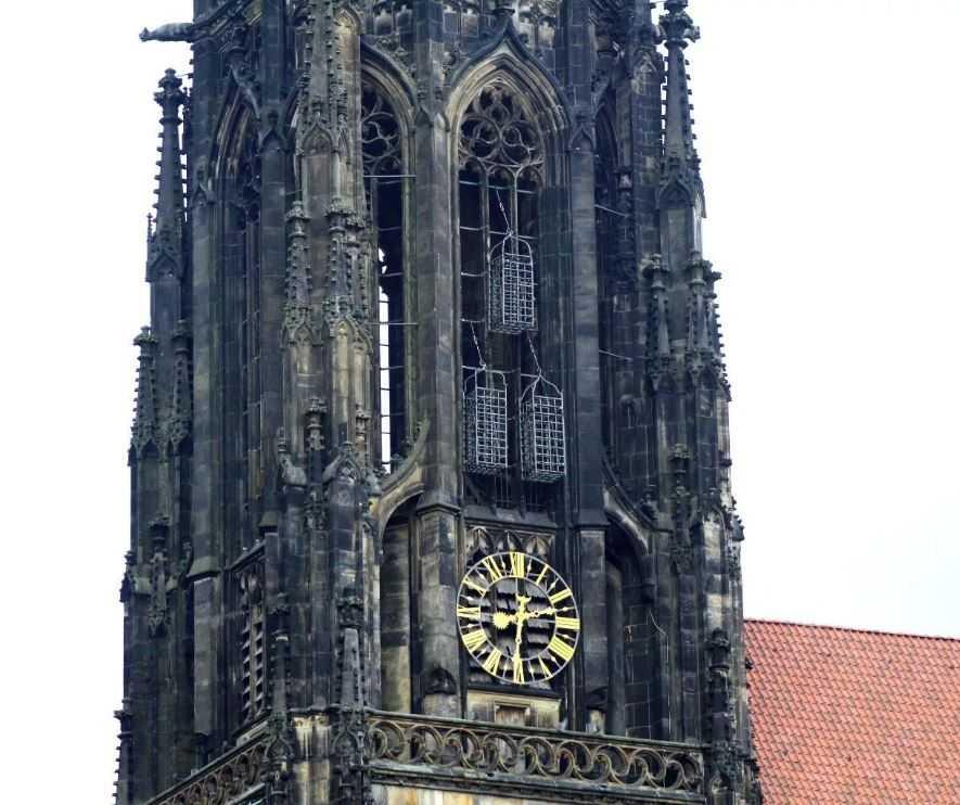 Клетки анабаптистов в башне церкви Святого Ламберти, Мюнстер, Северный Рейн-Вестфалия, Германия.