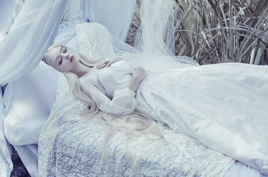 Изначально Спящая красавица проснулась не от поцелуя принца!