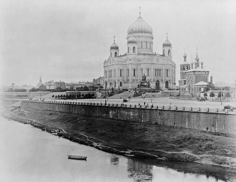 Старый Храм Христа Спасителя между 1883 и 1918 годами.