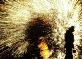 Фестиваль метания расплавленного железа