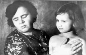 В итоге Розу Кулешову разоблачили и признали ее феномен жульничеством. Но как именно слепая женщина обманула такое количество ученых?