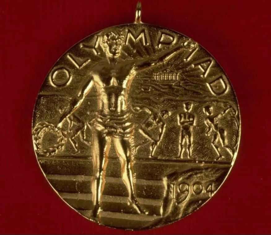 Экспонаты на олимпийских играх.