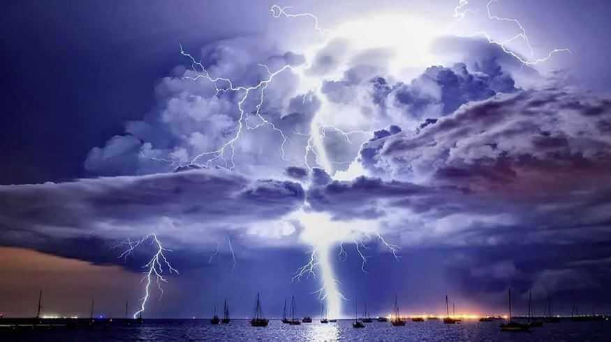 Факты: Среднее облако весит порядка 500 тонн.