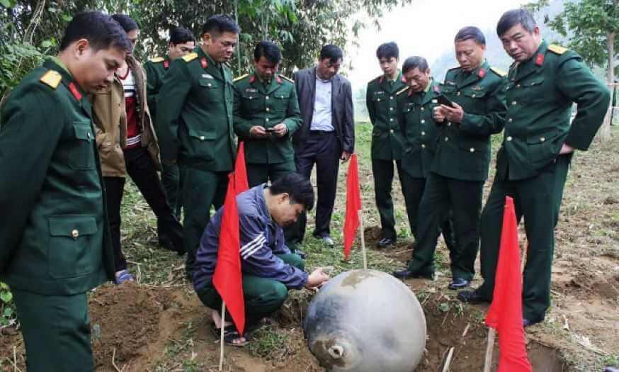Загадочные металлические сферы, упавшие с неба, не обошли стороной и Вьетнам.