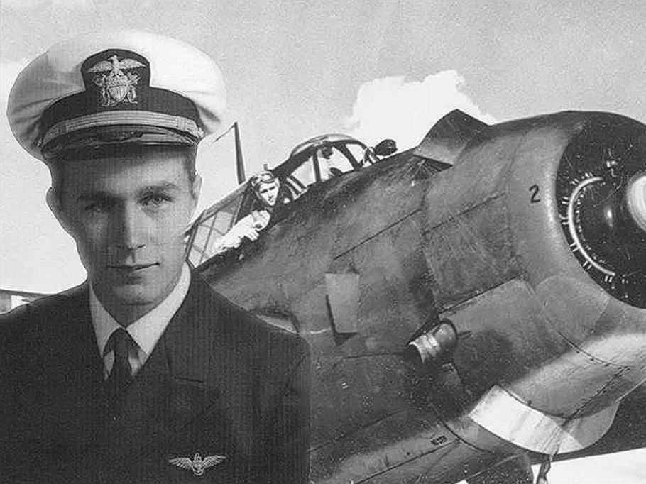 Во время Второй мировой войны Джордж Буш был пилотом.
