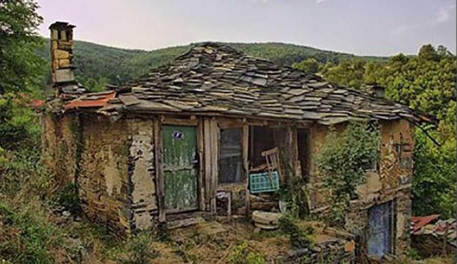 Старый дом Василия в 2016 году.