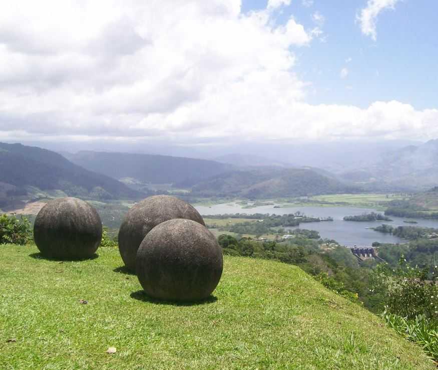 Каменные шары Коста -Рики интересны не только своей формой , размерами но и происхождением.