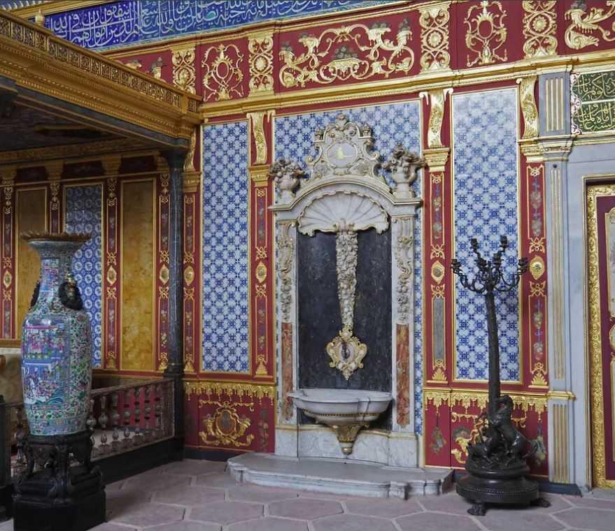 Будущие султаны жили в роскоши - кафесах. Иногда до самой смерти.