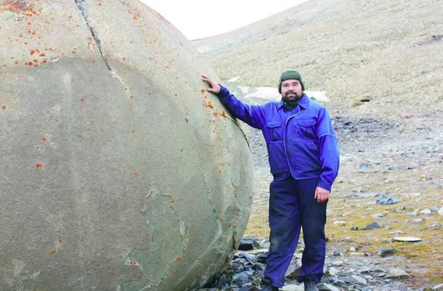 В Арктике найдены каменные шары на острове Чамп