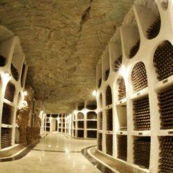 Огромный, подземный город — мечта любителей вина