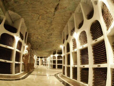Подземный город вина.