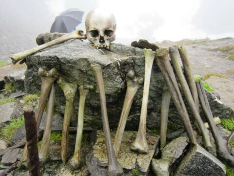Озеро скелетов.