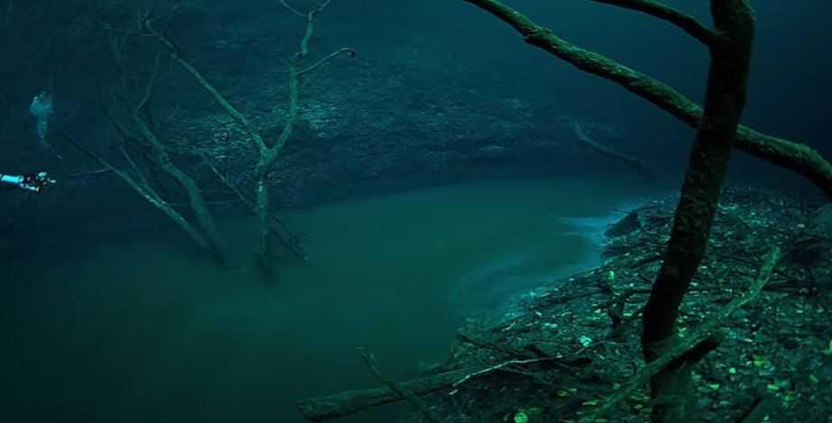 На первый взгляд - река, как река, ни чего удивительного.