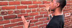 Иногда стены начинают «разговаривать»