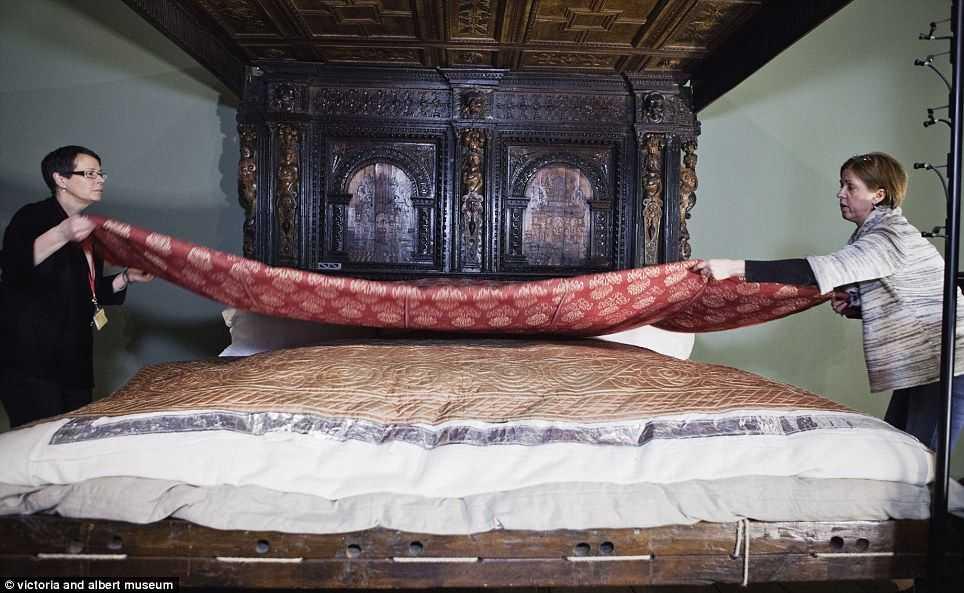 Великая кровать из керамики имеет вес 641 кг.