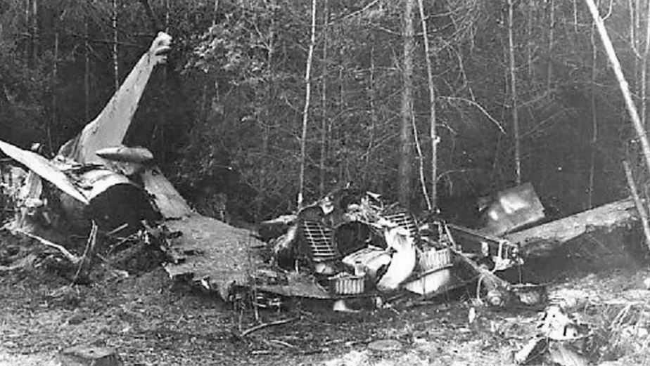Юрий Гагарин погиб в авиационной катастрофе вблизи деревни Новоселово.
