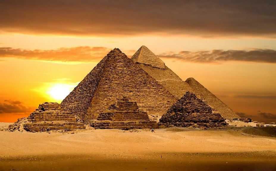 Так от куда взялись пирамиды и кто их придумал и построил.