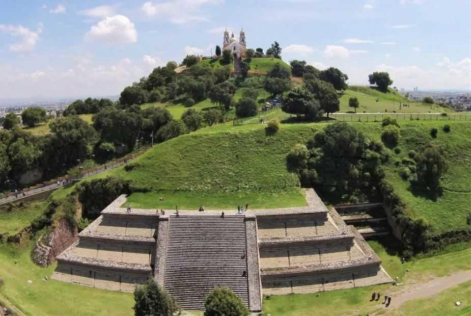 Гигант, построивший самую большую пирамиду в мире