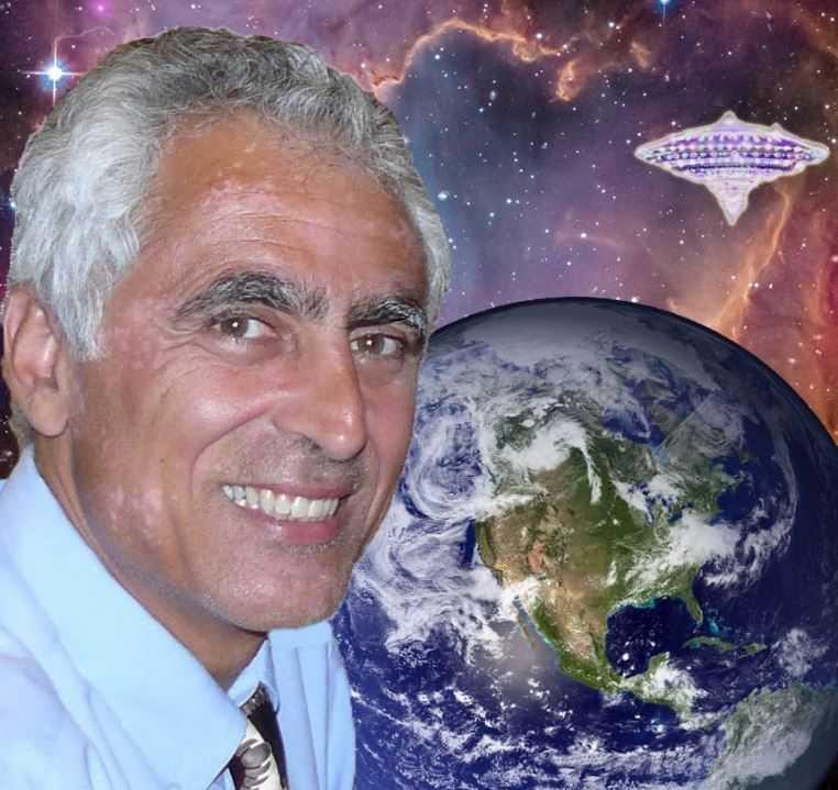 Майкл Салла — доктор философии, сторонник теории присутствия НЛО на Земле.