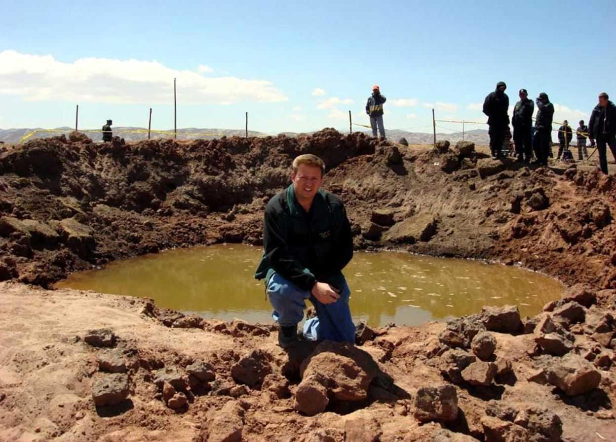 Местные жители прибежавшие посмотреть на метеорит, позже, поплатились за свое любопытство.