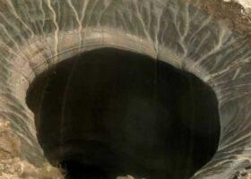 Сибирские кратеры становятся глубже, чем когда-либо