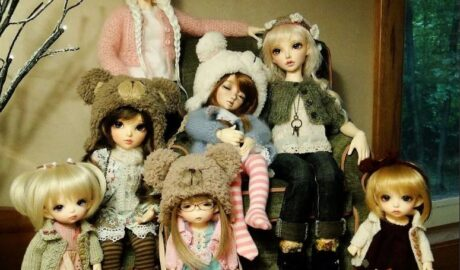У вас дома есть куклы? Ни чего не замечали...
