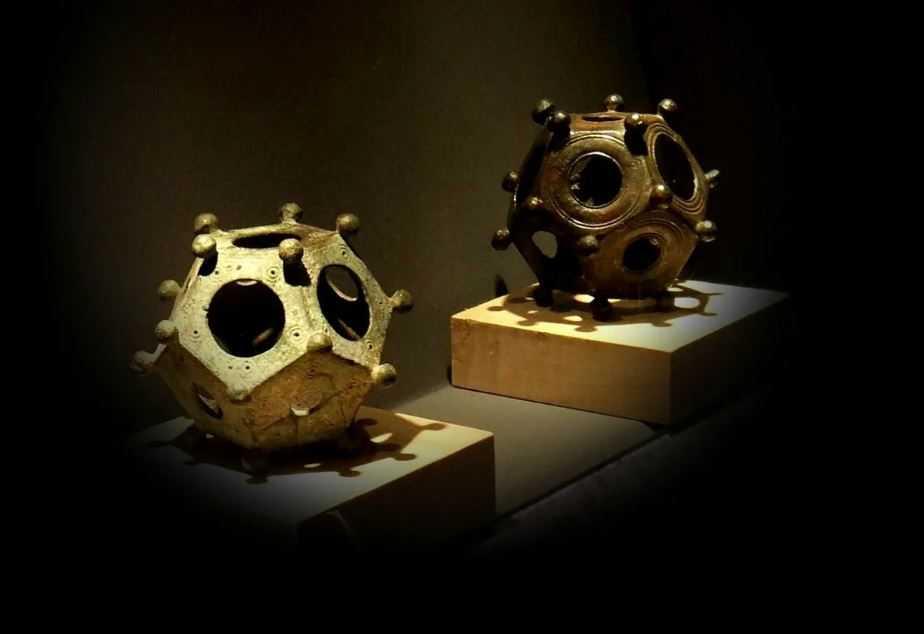 Додекаэдр: двухсотлетняя загадка археологии