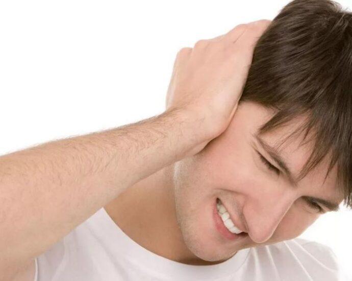 После встречи с гуманоидом: головная боль и шум в ушах.