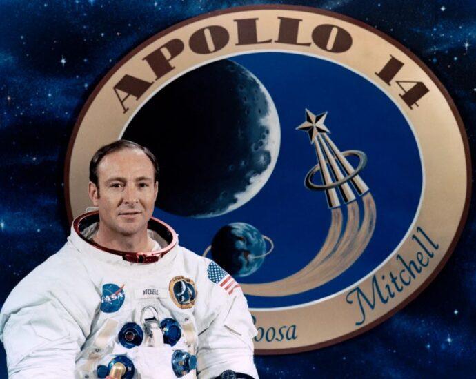 Эдгар Митчелл: Топ-10 о скрытых пришельцах и НЛО.