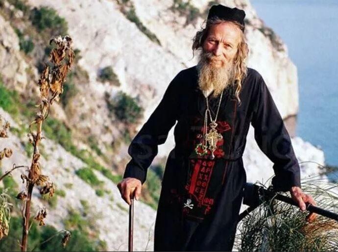 Монах предсказал ужасное будущее США и России.