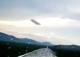 Гигантский НЛО над деревней в республике Алтай